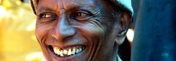 smile to meet people