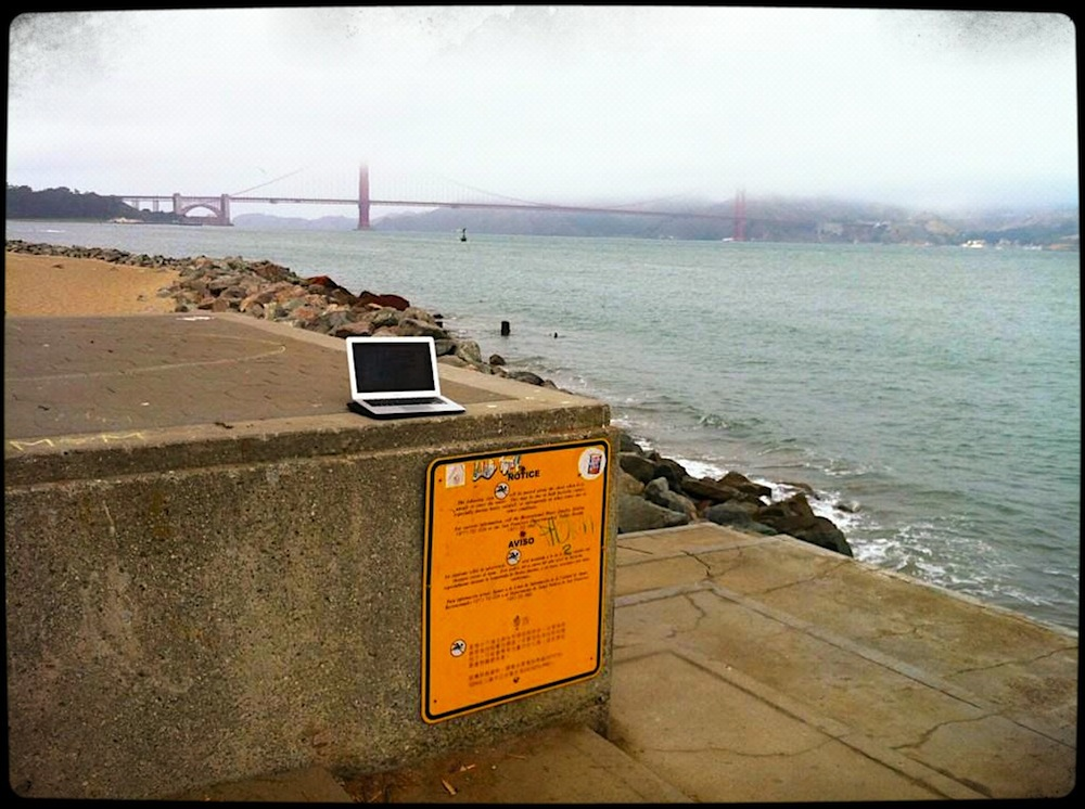 7 Golden Gate Stand Up Desk